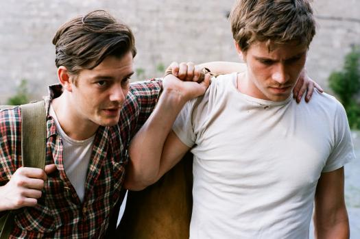 on-the-road-movie-image-sam-riley-garrett-hedlund.jpg